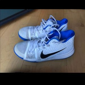 Kyrie Irving boys sneakers